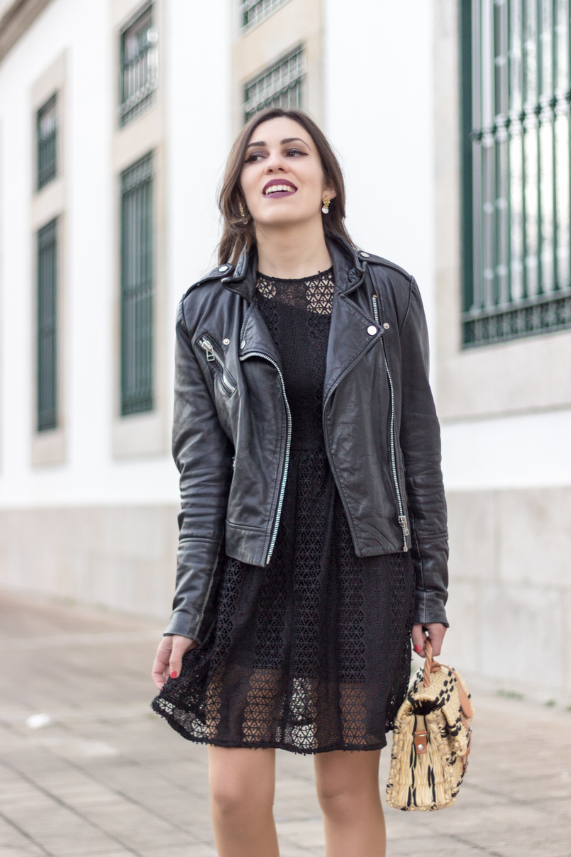 Le Fashionaire Introduce yourself to opportunities! black zara lace dress leather biker jacket black mango straw bag black camel toino abel handmade Dark mac instigator lipstick 8420 EN 805x1208