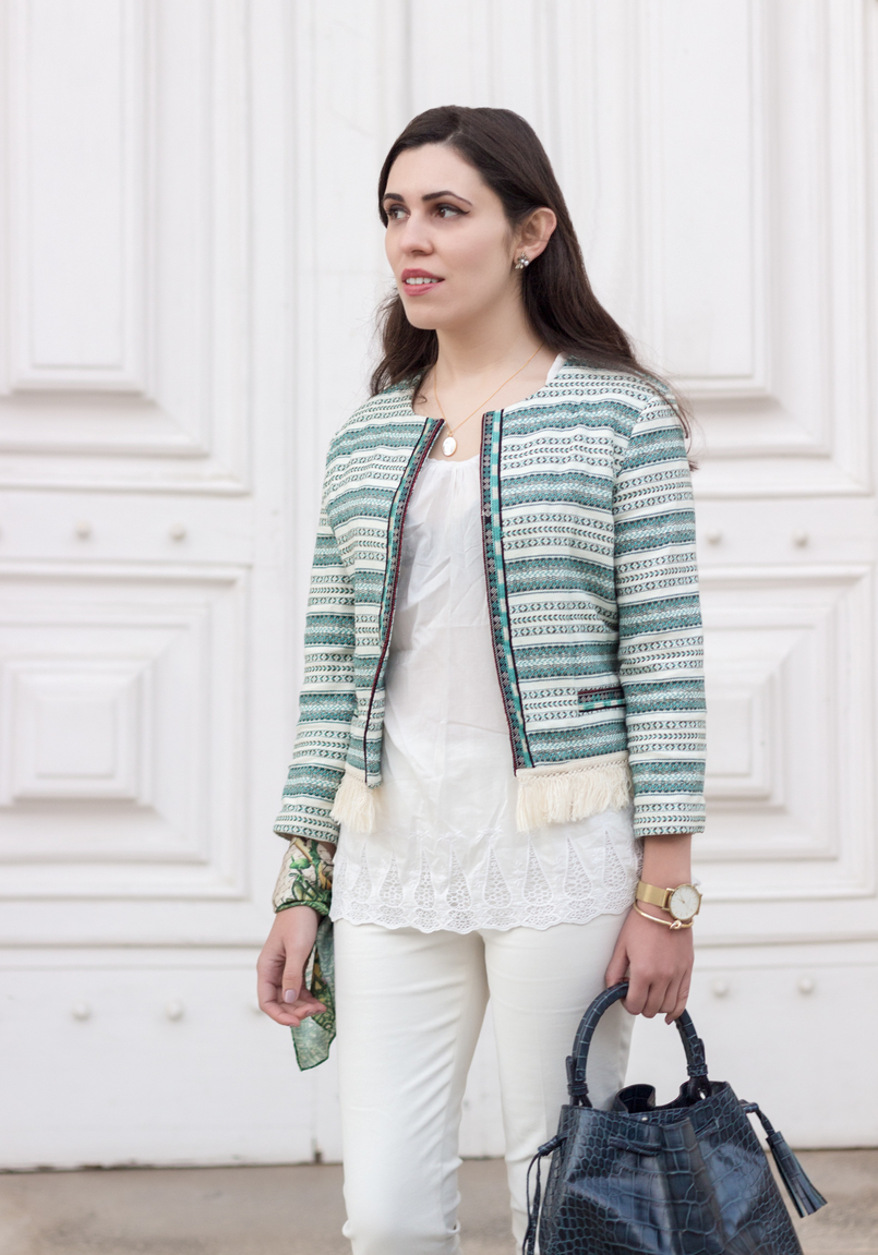 Le Fashionaire Boho influences blogger catarine martins white green boho bershka jacket cotton oversized tee white sfera white zara trousers scarf me green pink flowers pattern 0155 EN 805x1151