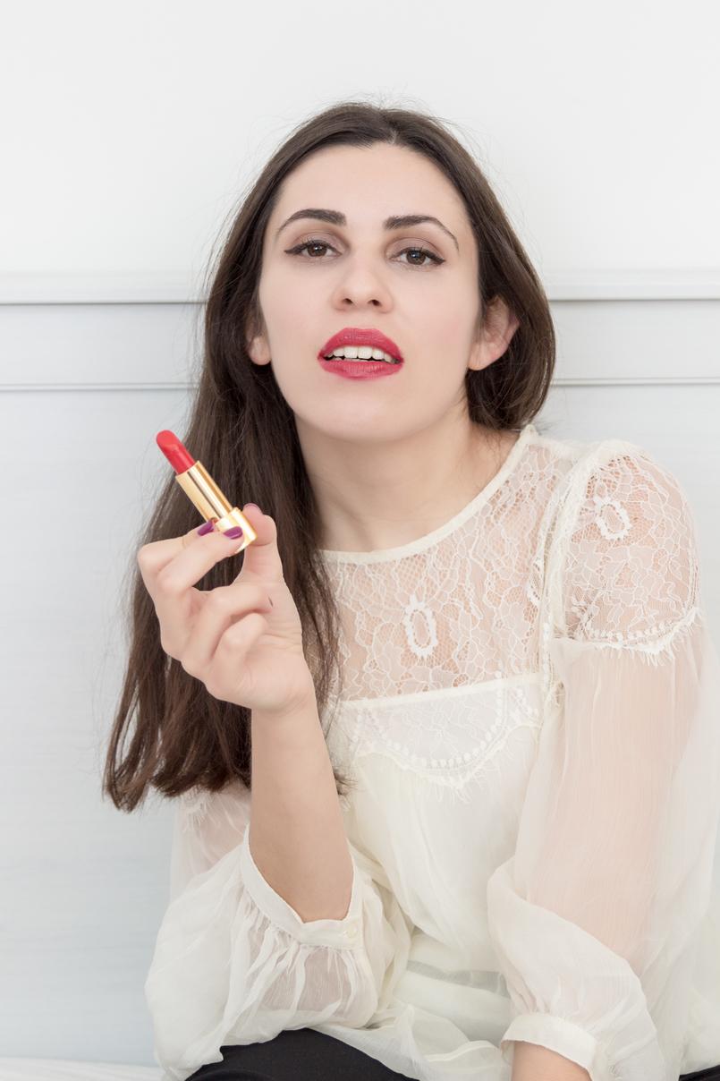 Le Fashionaire Os meus 5 produtos favoritos da Chanel blusa renda branca mango batom vermelho chanel rouge coco gabrielle 1901 PT 805x1208