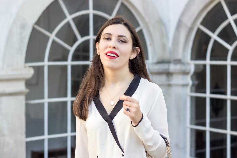 Le Fashionaire Como usar branco total camisa branca pormenores pretos botoes zara calcas brancas zara colar cinco prata dourada madreperola 9082 PT 805x537