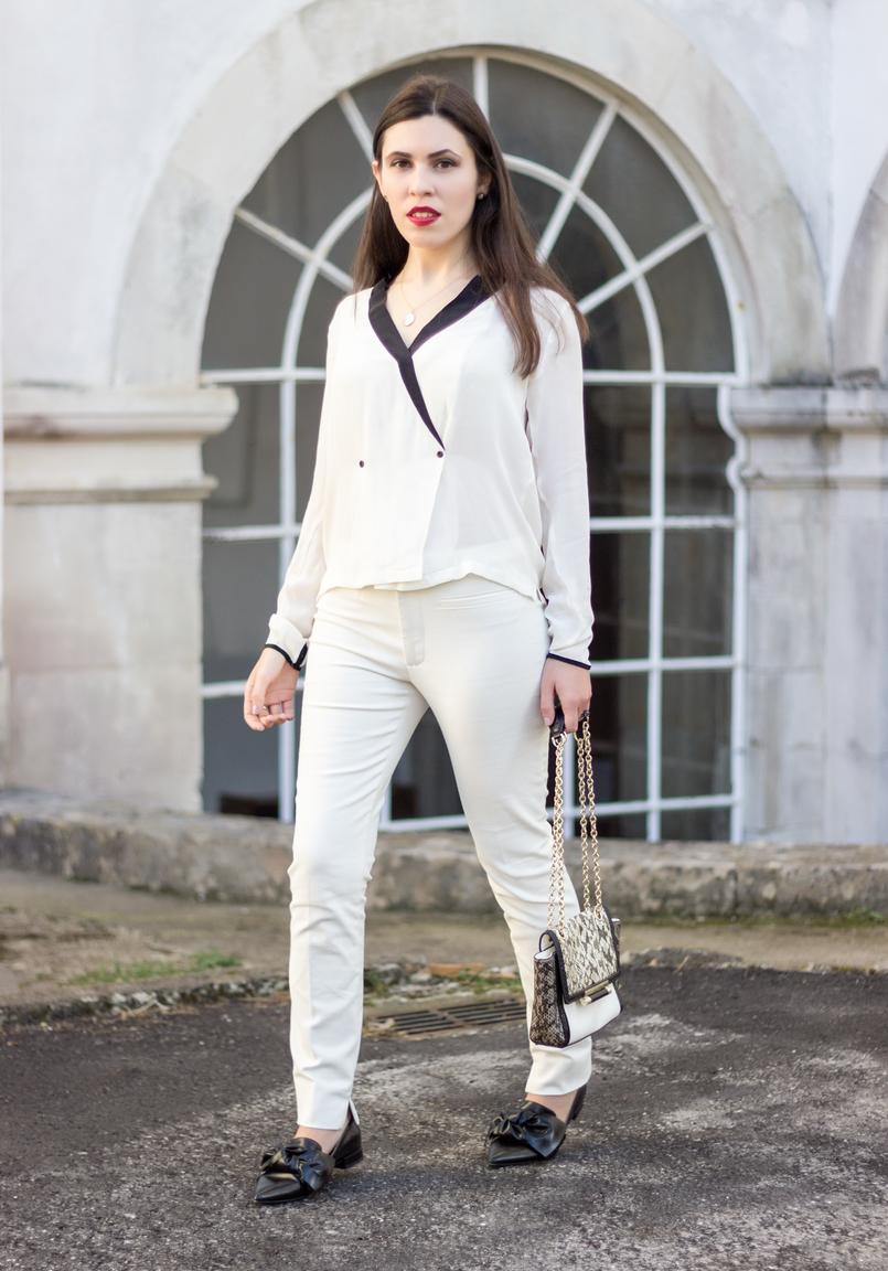 Le Fashionaire Como usar branco total camisa branca pormenores pretos botoes zara sapatos lacos pretos bicudos zara mala diane von furstenberg pele branca cobra corrente dourada 9039 PT 805x1152