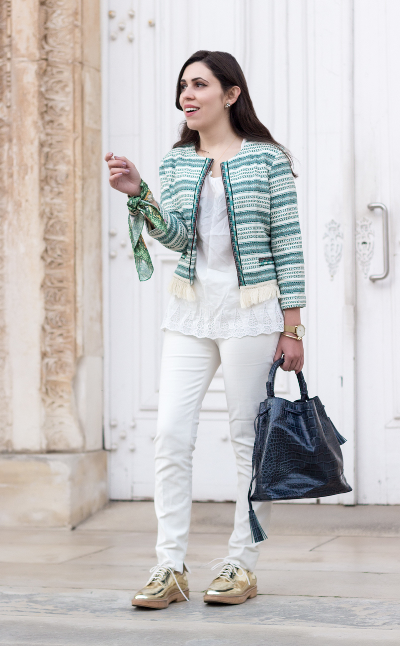 Le Fashionaire Influências boho casaco verde branco boho bershka tee algodao larga branca sfera calcas brancas zara mala pele azul escura zara sapatos dourados oxford mango 0169 PT 805x1299