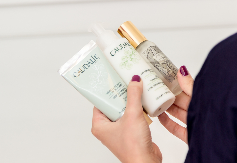 Le Fashionaire My top 3 Caudalie products caudalie cleansing milk white exfoliator silver green eau beaute mist water lion wild women secret robe dark blue 1496 EN 805x557