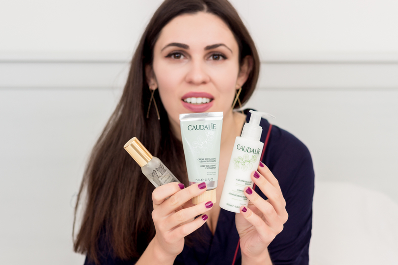Le Fashionaire My top 3 Caudalie products caudalie cleansing milk white exfoliator silver green eau beaute mist water lion wild women secret robe dark blue 1510 EN 805x537