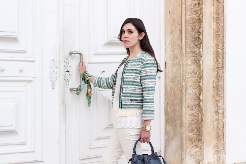 Le Fashionaire Boho influences fashion inspiration white green boho bershka jacket cotton oversized tee white sfera white zara trousers scarf me green pink flowers pattern 0181 EN 805x537