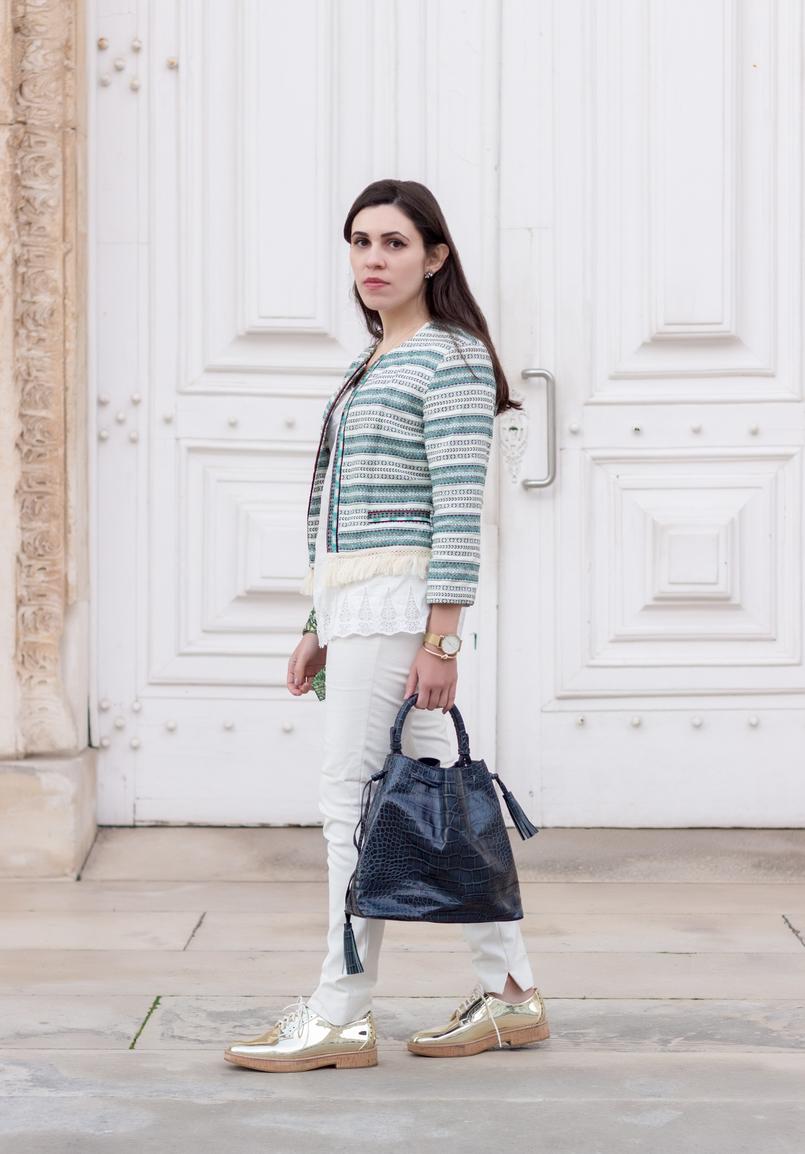 Le Fashionaire Boho influences fashion inspiration white green boho bershka jacket white zara trousers leather dark blue zara bag god oxford mango shoes 0125 EN 805x1154
