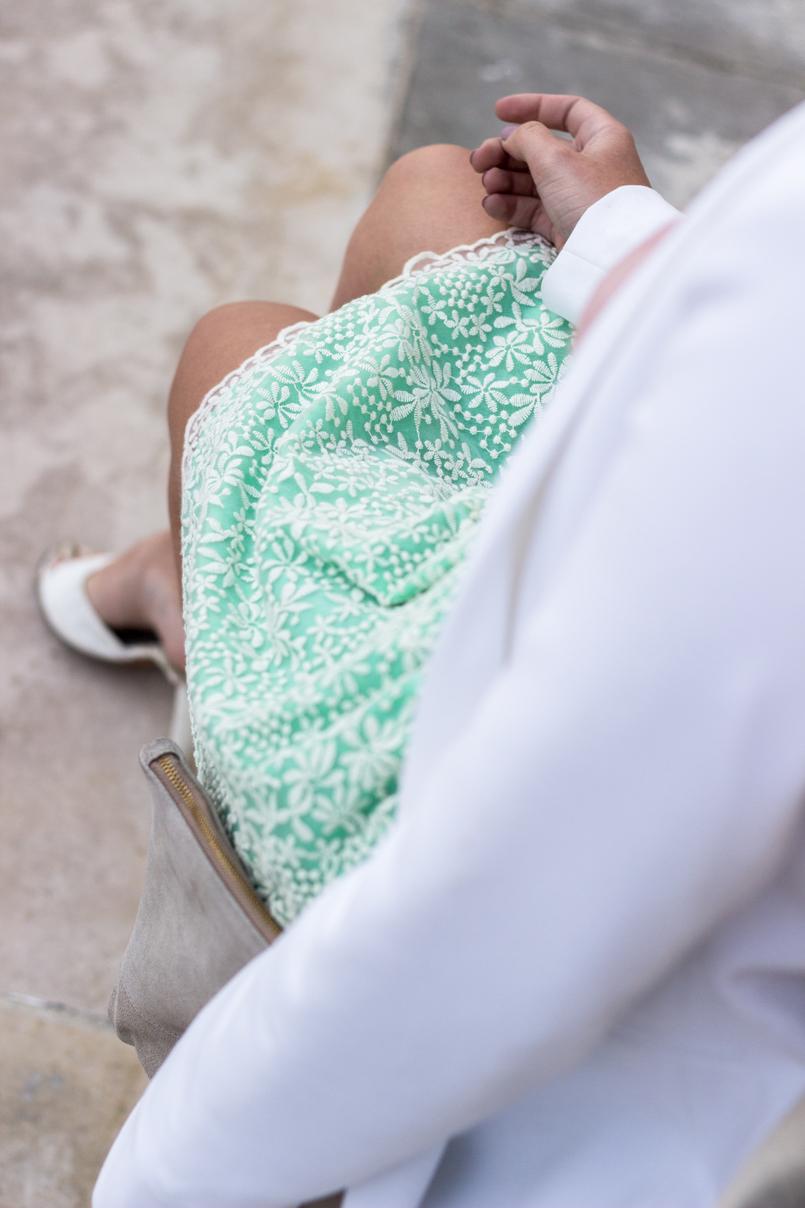 Le Fashionaire People pass through our lives for a reason green white embroidered zara skirt sandals heels mules dolce gabbana white white zara blazer 9433 EN 805x1208
