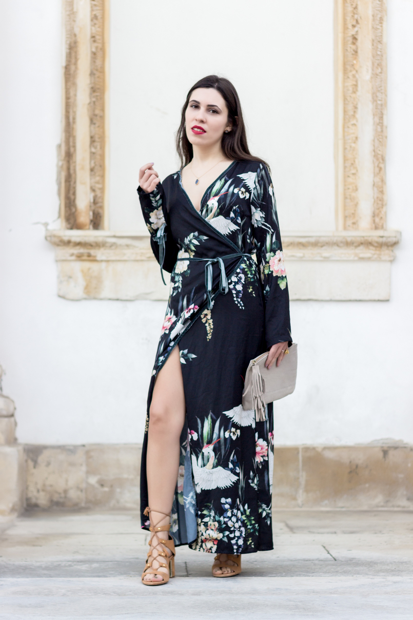 Le Fashionaire Do dreams really come true? long wrap dress kimono birds flowers green black stradivarius camel heels sandals suede stradivarius grey stone gold lefties necklace 9264 EN 805x1208