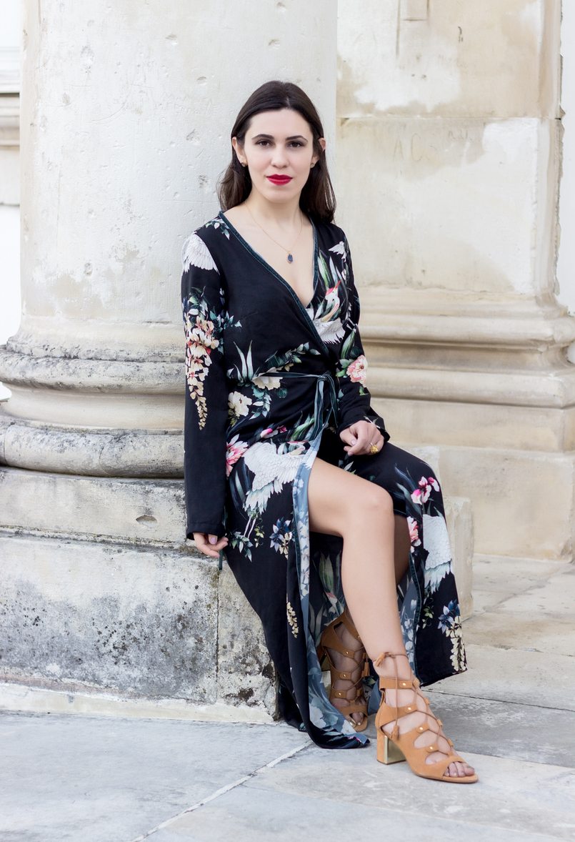 Le Fashionaire Do dreams really come true? long wrap dress kimono birds flowers green black stradivarius camel heels sandals suede stradivarius grey stone gold lefties necklace 9313 EN 805x1178
