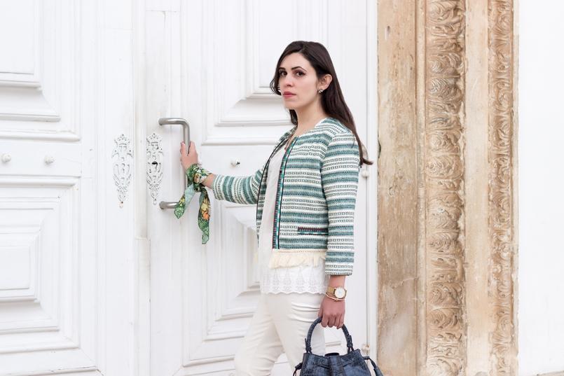 Le Fashionaire Influências boho moda inspiracao casaco verde branco boho bershka tee algodao larga branca sfera calcas brancas zara lenco verde flores rosa scarf me 0181 PT 805x537
