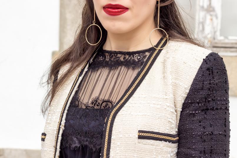 Le Fashionaire Como defines o teu estilo? vestido preto organza folhos renda preto zara casaco tweed branco preto corrente mango brincos compridos argola dourada hm 0246 PT 805x537