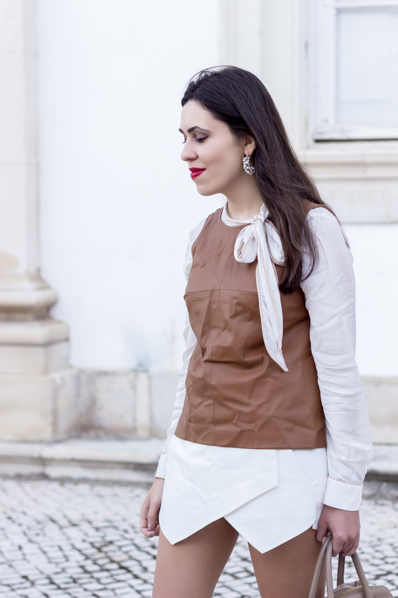 Le Fashionaire Love is my favourite place white brown details shirt leather brown stradivarius top white zara skort white pearl hoops 9221 EN 805x1208
