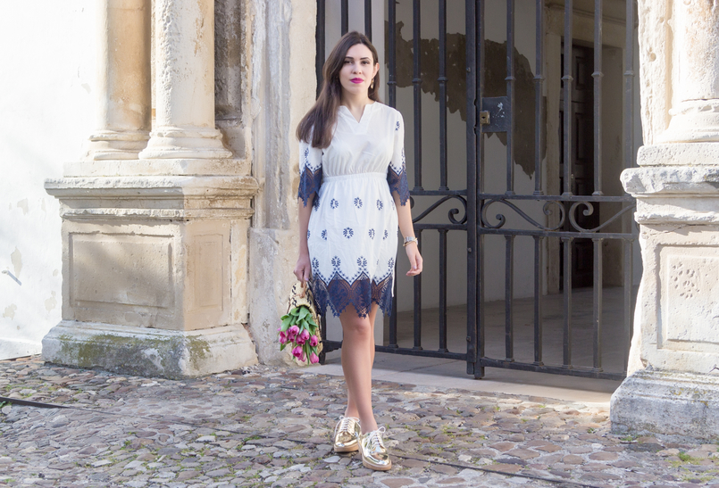 Le Fashionaire How did we get so selfish? white dark blue cotton lace embroidered shein dress gold mango oxford shoes 8839 EN 805x547