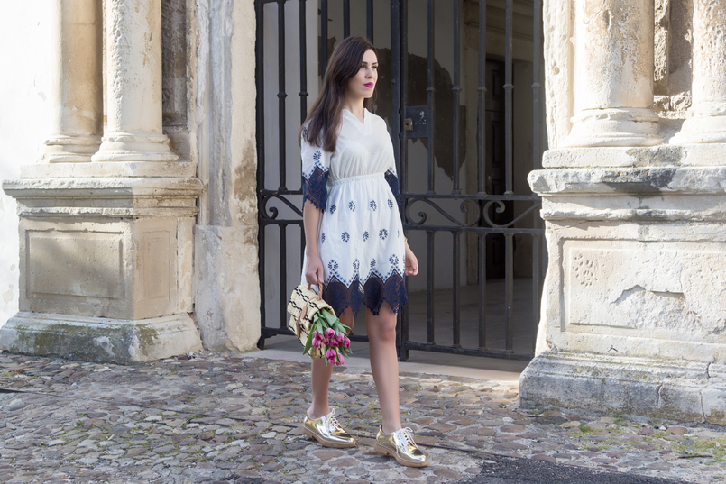Le Fashionaire How did we get so selfish? white dark blue cotton lace embroidered shein dress gold mango oxford shoes straw basket bag black details brown blucke toino abel leather 8841 EN 805x537