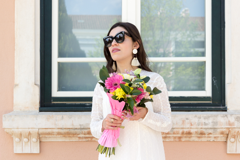 Le Fashionaire Personal: My surgery white embroidered zara girly dress flowers bouquet pink white colorul black celine marta sunglasses white tassels brown bold mango earrings 2339 EN 805x537