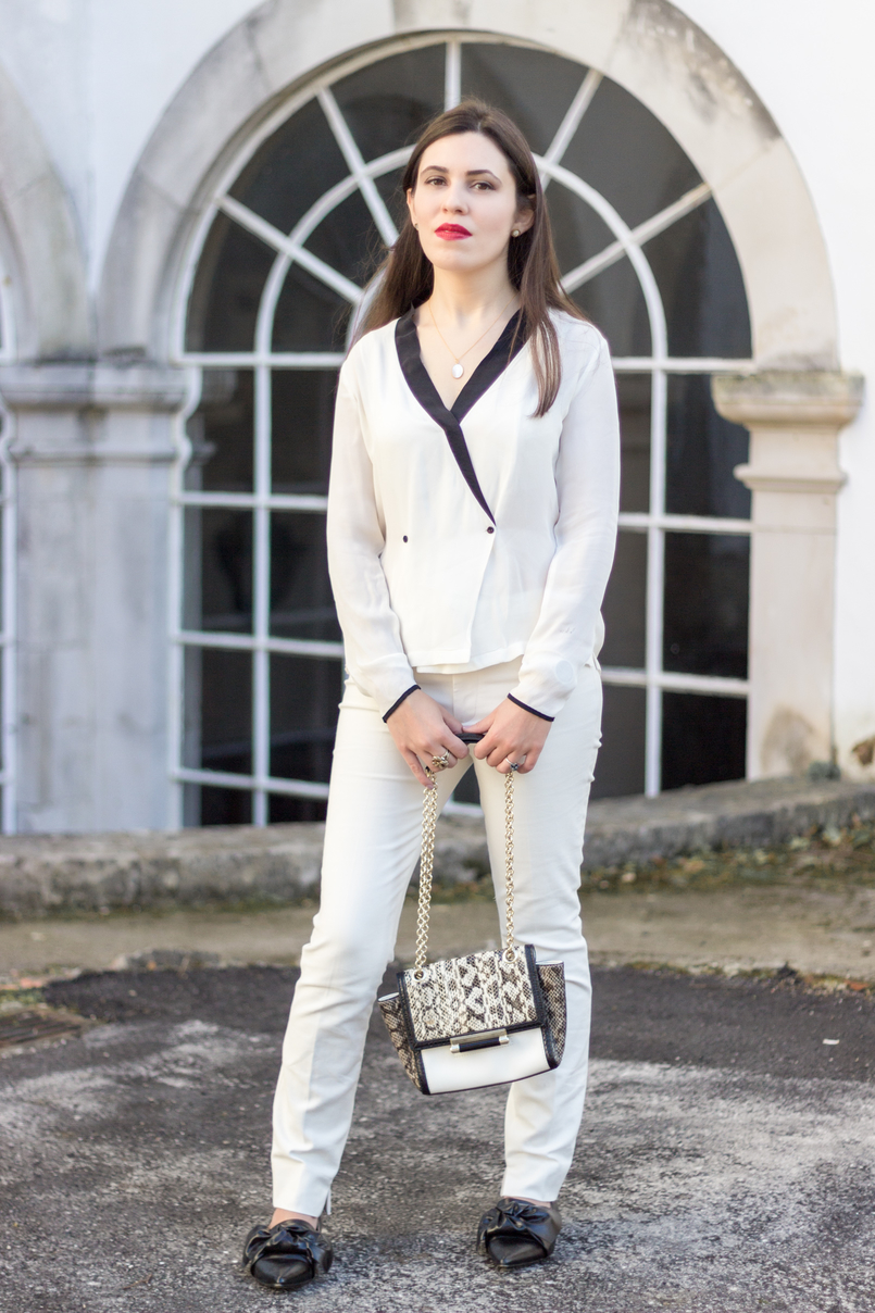 Le Fashionaire How to wear total white white zara trousers pointy black bow zara flats diane von furstenberg white leather bag snake print grey black 9095 EN 805x1208