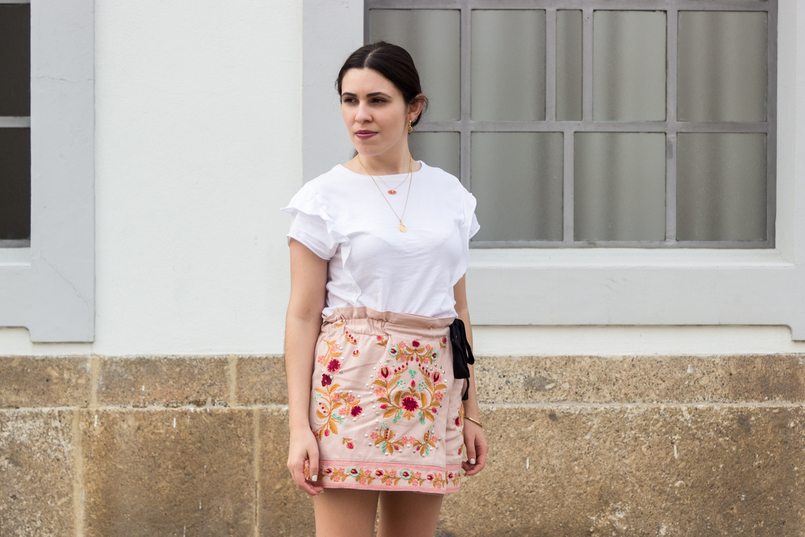 Le Fashionaire What to buy on sales? zara pink embroidered flowers black bow shorts white tee ruffles zara hoops pia silver gold cinco earrings semi precious stone hm necklace 3536 EN 805x537