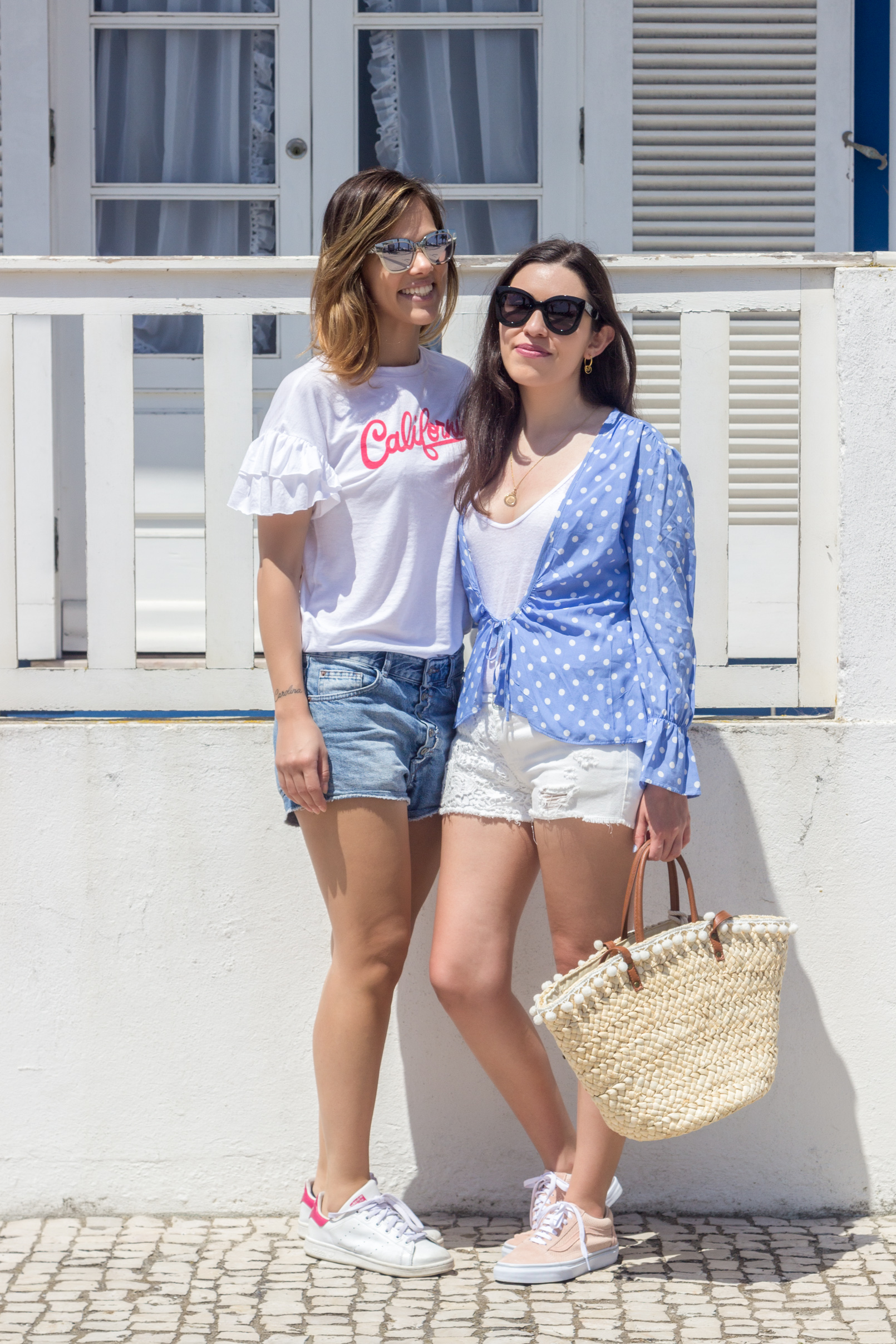 Le Fashionaire blogger catarine martins fashion inspiration dots blue mango white shirt pale pink gold dots suede vans dressofroses simona totaro 5326 EN blogger catarine martins fashion inspiration dots blue mango white shirt pale pink gold dots suede vans dressofroses simona totaro 5326 EN
