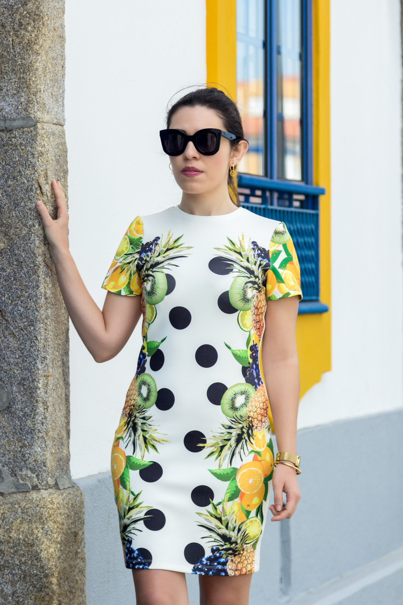 Le Fashionaire Where to shop for cool dresses? bodycon white black dots tropical pineapple lemon kiwi grape green asos dress bold sunglasses celine marta gold earrings hoops silver cinco 3616 EN 805x1208