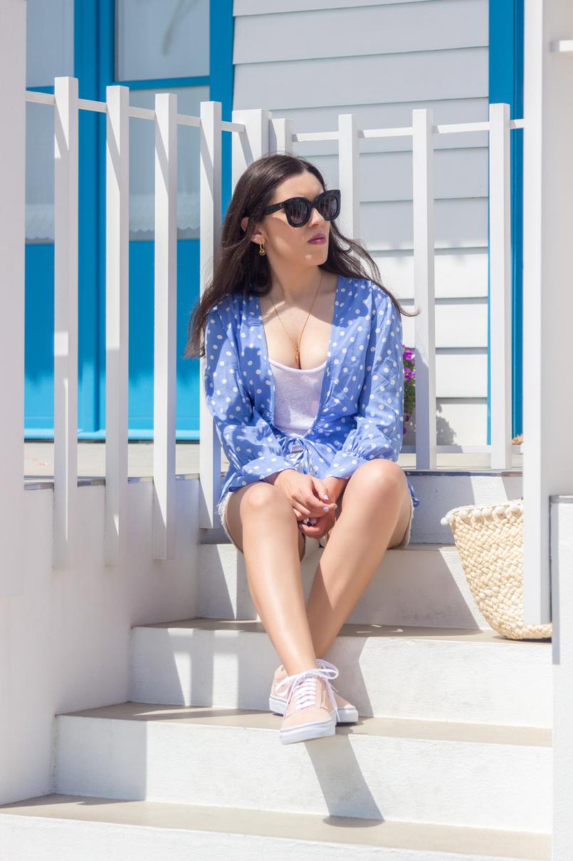 Le Fashionaire É fácil ser blogger? camisa azul clara bolinhas brancas mango tank top branco algodao zara vans rosa claro pintas douradas camurca oculos sol celine pretos massa 5240 PT 805x1208