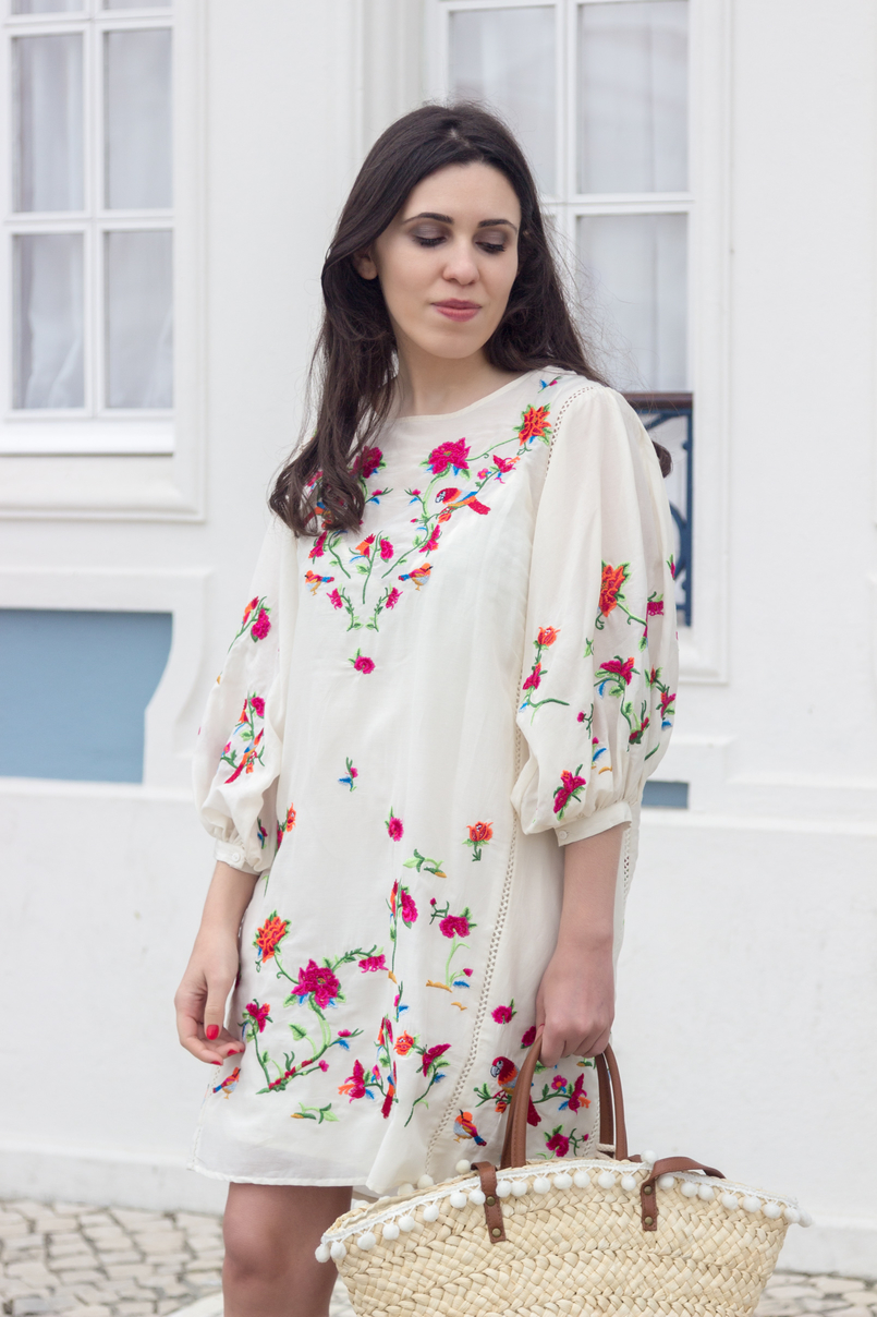 Le Fashionaire Why do we shop at Zara so much? fashion inspiration white silk embroidered tropical birds pink zara dress blooms straw nude brown fake leather primark 4402 EN 805x1208