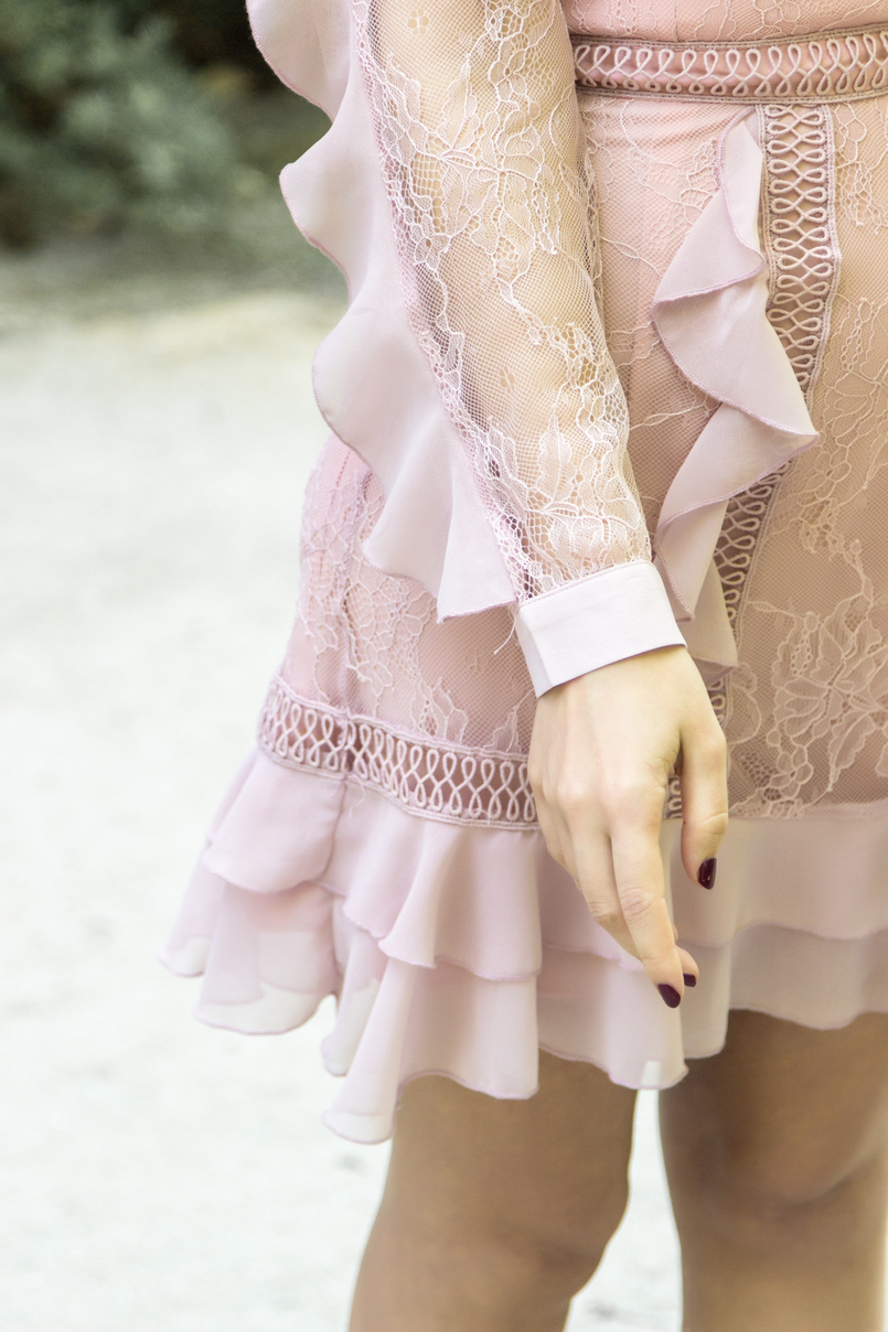 Le Fashionaire Going to a wedding wearing no heels: yay or nay? old pink ruffles lace asos dress 4046 EN 805x1208