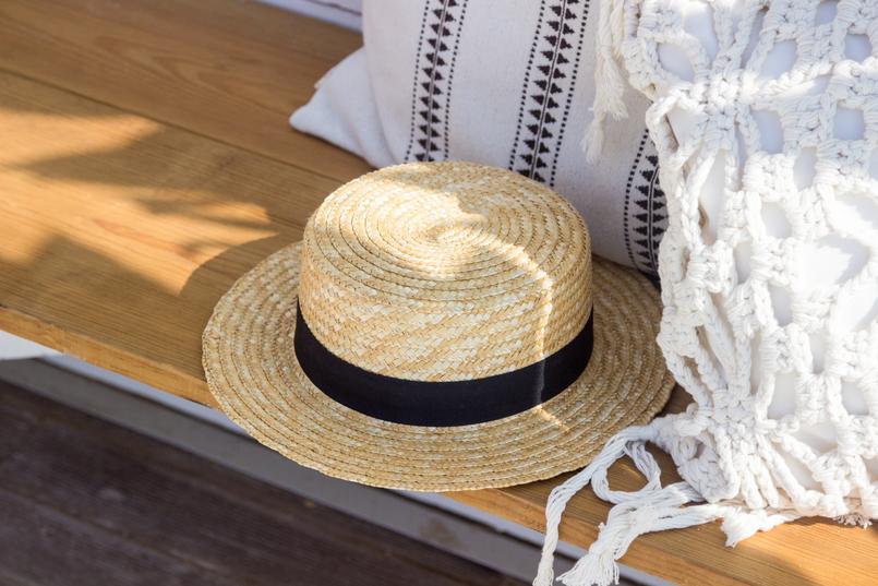 Le Fashionaire The coolest Beach Club straw stradivarius black ribbon hat 5100 EN 805x537