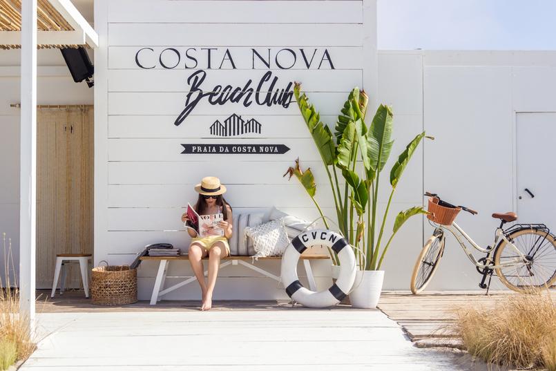 Le Fashionaire The coolest Beach Club straw stradivarius black ribbon hat banana tree leaves bicycle 5072 EN 805x537