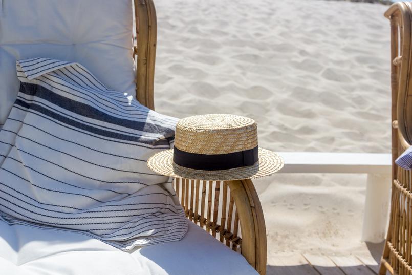Le Fashionaire The coolest Beach Club straw stradivarius black ribbon hat beach 5158 EN 805x537