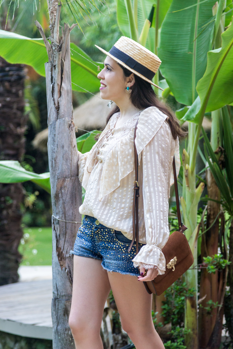Le Fashionaire Have you ever been to Bali? straw summer hat silk nude ribbons ruffles uterque shirt denim sparkling bershka shorts brown gold elephant leather parfois bag 4272 EN 805x1208