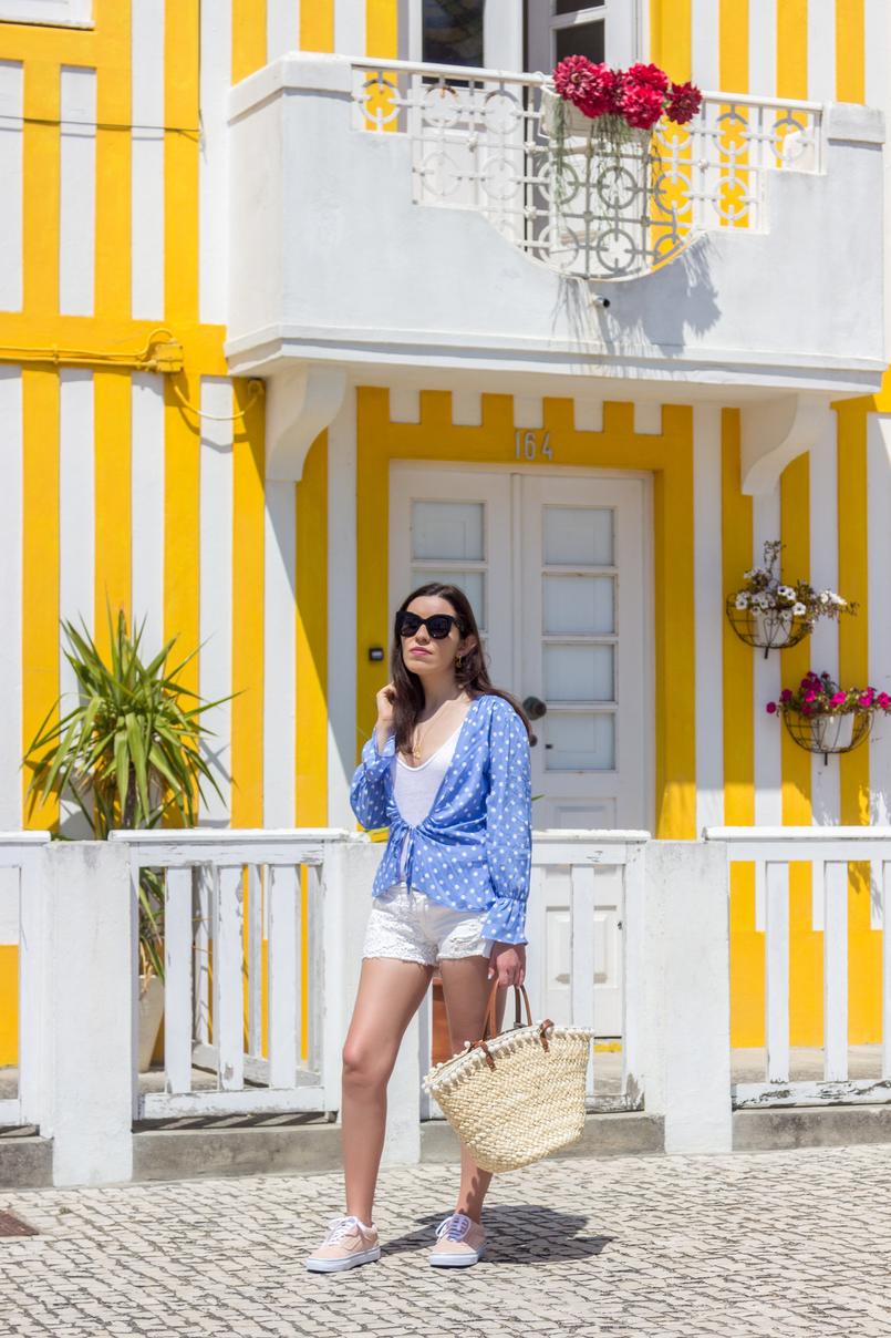 Le Fashionaire É fácil ser blogger? tank top branco algodao zara calcoes bordados brancos stradivarius vans rosa claro pintas douradas camurca cesta verga palha bege primark 5298 PT 805x1208