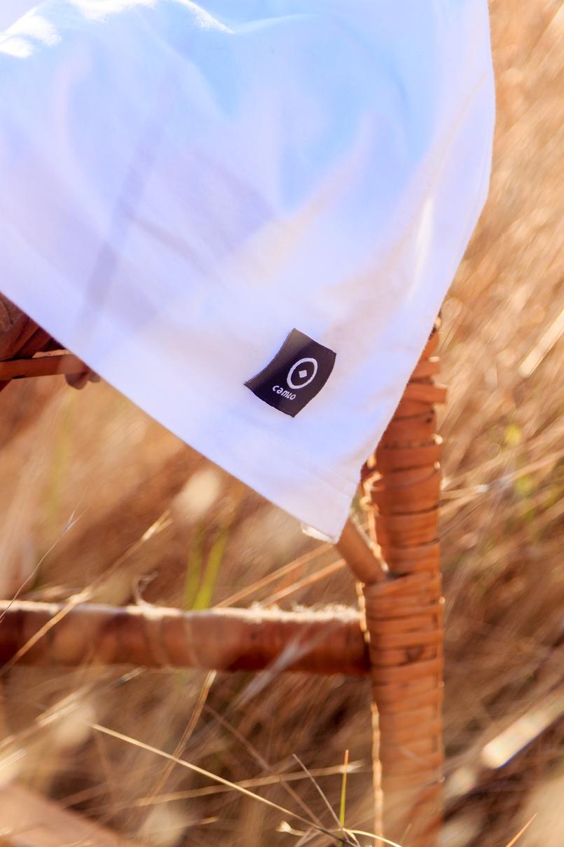 Le Fashionaire Onde encontrar a t shirt branca perfeita? tshirt branca camlo algodao organico cadeira baloico bamboo verga castanho seara bege 6593 PT 805x1208