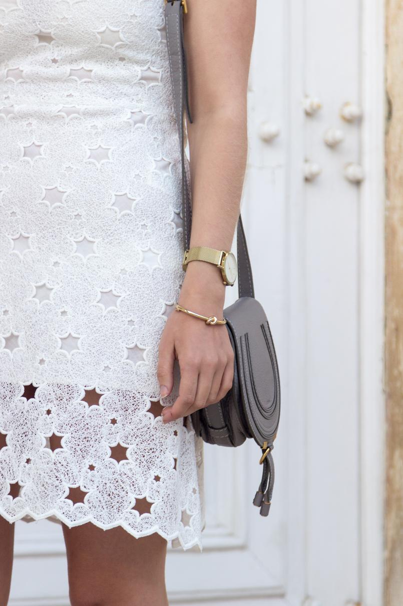 Le Fashionaire Hoje faço aniversário vestido branco estrelas zara mala cizenta mini marcie chloe relogio dourado rosefield 6991 PT 805x1208