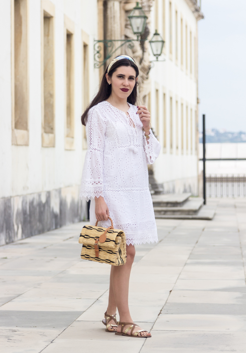 Le Fashionaire How to find the perfect summer dress white embroidered pom pom white mango dress straw bag nude black hand made toino abel flats sandals leather gold brown womens secret 3698 EN 805x1153