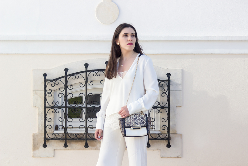 Le Fashionaire Where to shop for discount designer bags? white lace zara blouse diane von furstenberg leather snake gold chain white bag white quartz hm necklace bulgari white gold earrings 5614 EN 805x537