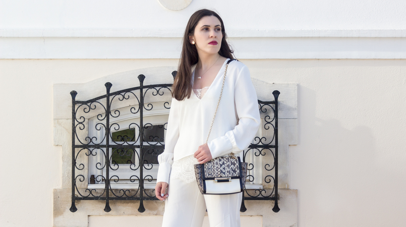 Le Fashionaire Where to shop for discount designer bags? white lace zara blouse diane von furstenberg leather snake gold chain white bag white quartz hm necklace bulgari white gold earrings 5614F EN 805x450