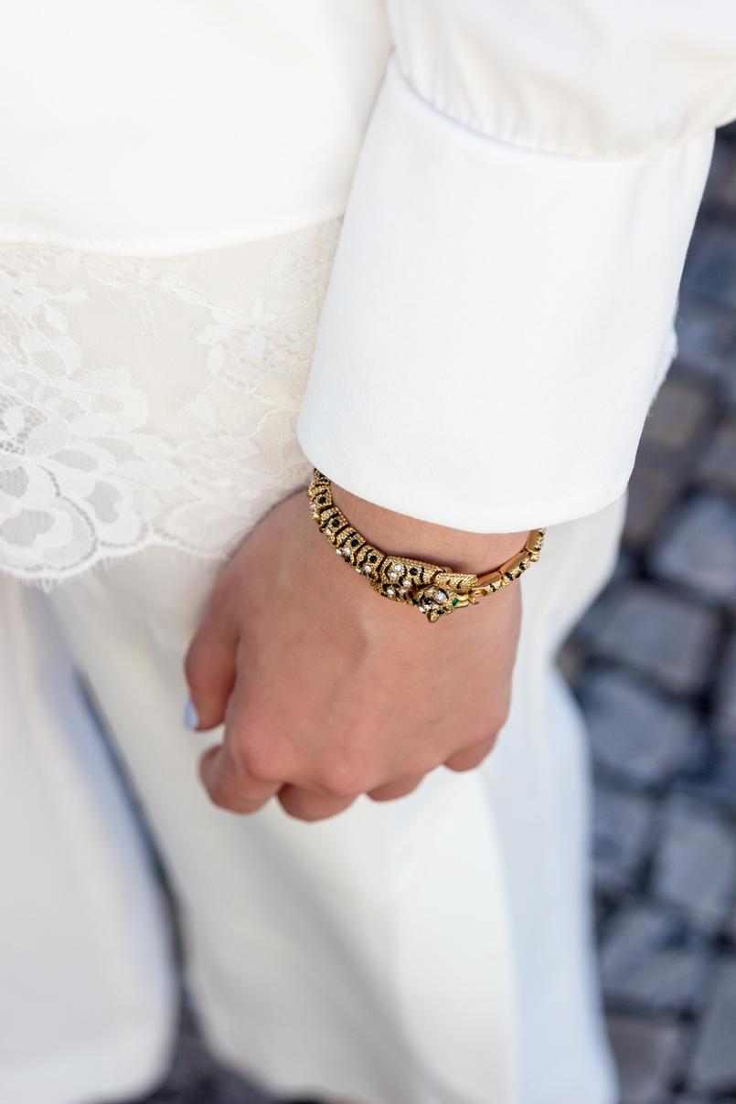 Le Fashionaire Where to shop for discount designer bags? white lace zara blouse oversized white splits pants golden leopard bracelet 5650 EN 805x1208