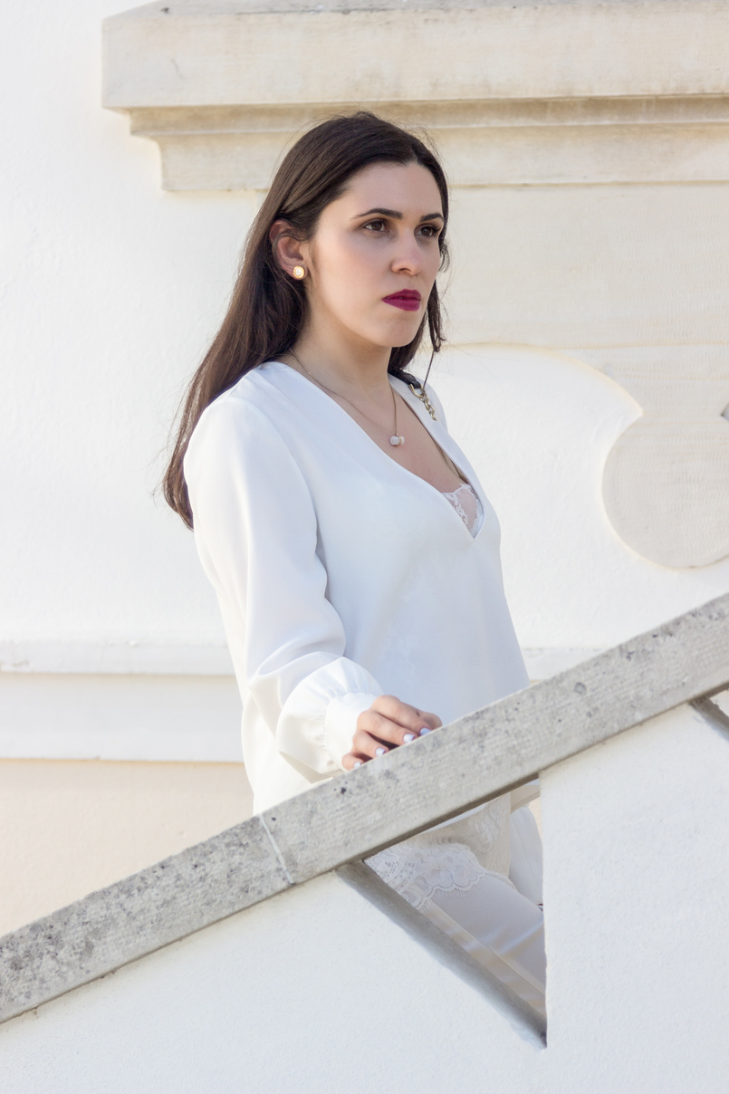Le Fashionaire Where to shop for discount designer bags? white lace zara blouse white quartz hm necklace bulgari white gold earrings 5625 EN 805x1208