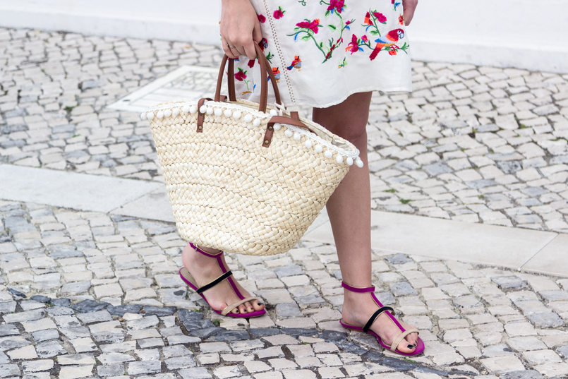 Le Fashionaire Why do we shop at Zara so much? white silk embroidered tropical birds pink zara dress blooms purple blue suede flat zara sandals straw nude brown fake leather primark 4409 EN 805x537