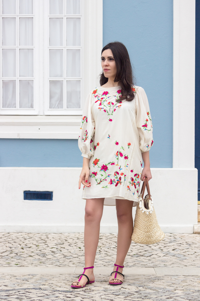 Le Fashionaire Why do we shop at Zara so much? white silk embroidered tropical birds pink zara dress blooms purple blue suede flat zara sandals straw nude brown fake leather primark 4427 EN 805x1208