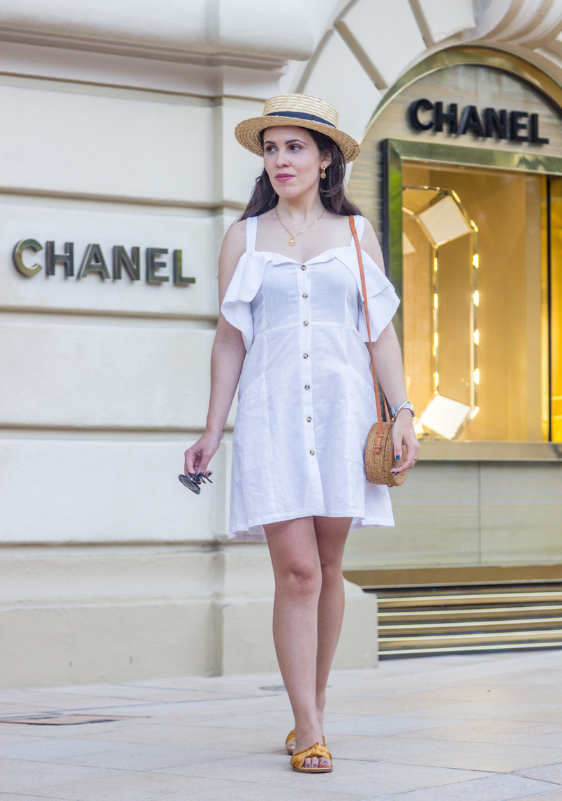 Le Fashionaire Why is Monaco such a magic place? chanel white linen pockets mango dress dark yellow bow satin zara slides gold bird cinco silver necklace round rattan straw handmade bag 8131 EN 805x1147