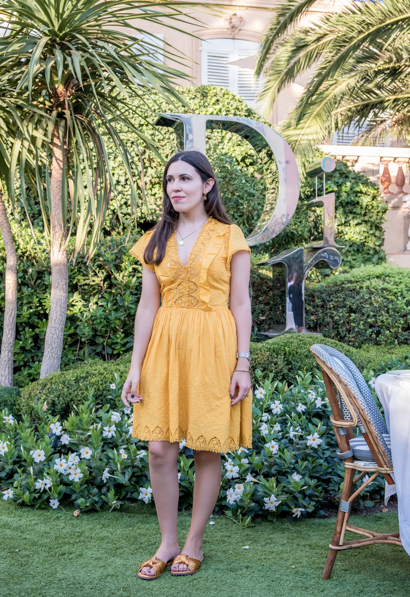 Le Fashionaire All you need to know about dining in Dior Des Lices in Saint Tropez cotton mango embroidered yellow skater dress dark yellow satin bow slides gold world map silver cinco necklace 0717 EN1 805x1173