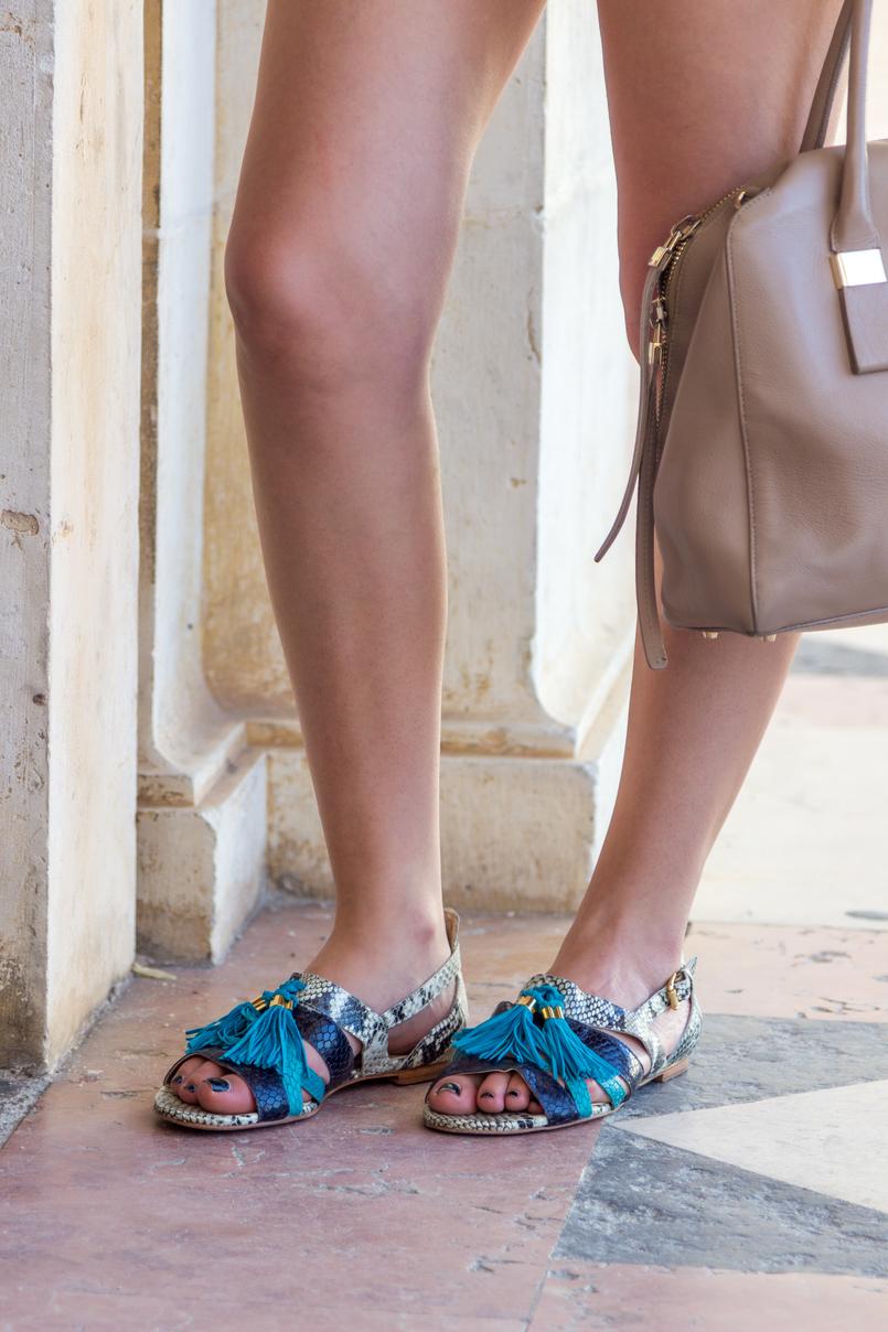Le Fashionaire Como usar calções de ganga de forma elegante mala bege furla twiggy 5892 PT 805x1208