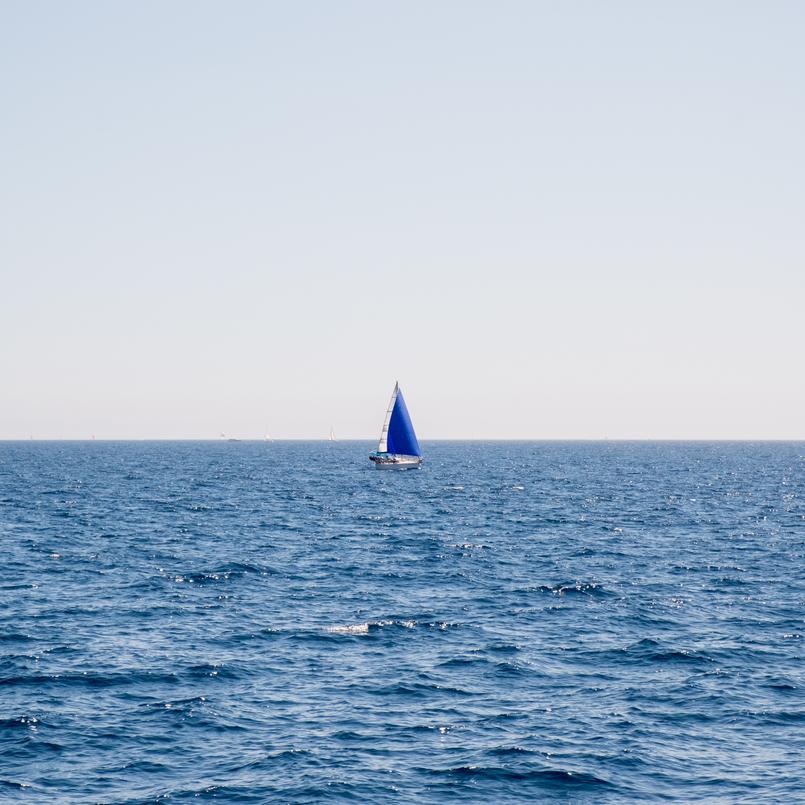 Le Fashionaire O pesadelo da Île Porquerolles (ou o perigo das fotos do instagram) mar ceu azul barco 0845 PT 805x805