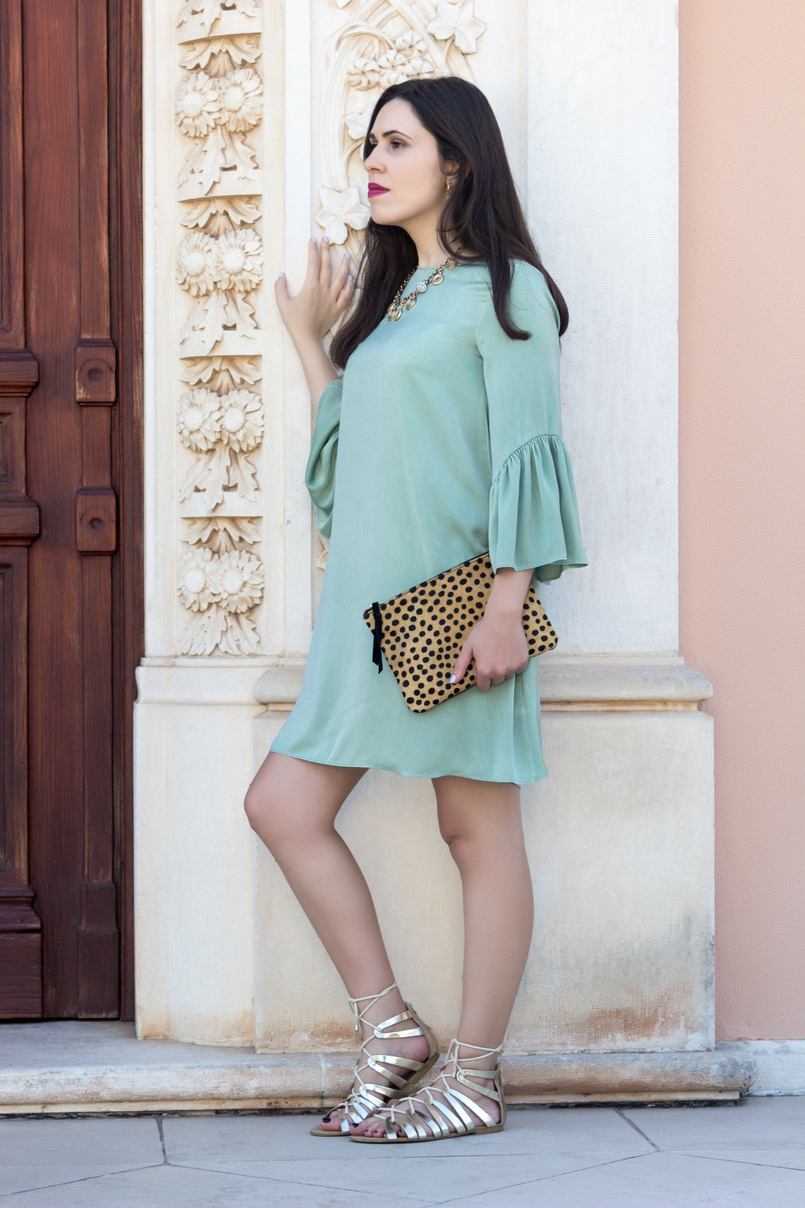 Le Fashionaire Why you should buy a leopard clutch mint zara silk like ruffles sleeves leopard leather brown black sfera clutch coins gold zara necklace 5485 EN 805x1208