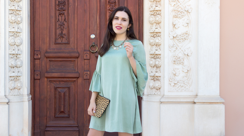 Le Fashionaire Why you should buy a leopard clutch mint zara silk like ruffles sleeves leopard leather brown black sfera clutch coins gold zara necklace 5498F EN 805x450