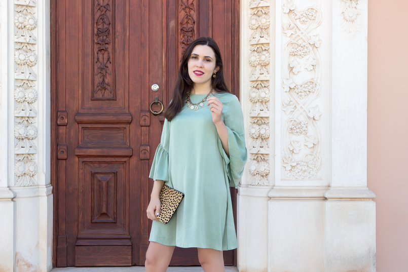 Le Fashionaire Why you should buy a leopard clutch mint zara silk like ruffles sleeves leopard leather brown black sfera clutch coins gold zara necklace greek gold stradivarius sandals 5498 EN 805x537
