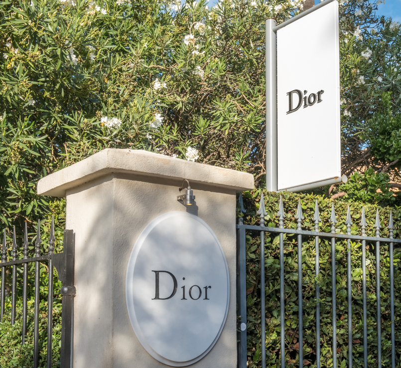 Le Fashionaire All you need to know about dining in Dior Des Lices in Saint Tropez restaurant dior des lices saint tropez 0661 EN1 805x738