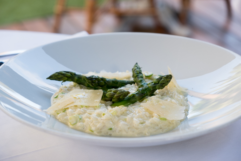 Le Fashionaire All you need to know about dining in Dior Des Lices in Saint Tropez risotto asparagus 0736 EN1 805x537