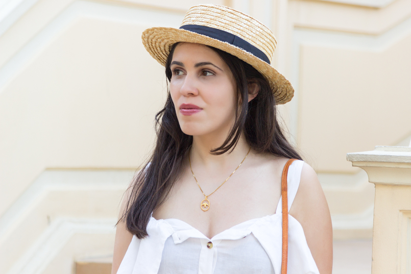 Le Fashionaire Why is Monaco such a magic place? straw black ribbon stradivarius summer hat white linen pockets mango dress gold bird cinco silver necklace 8109 EN 805x537